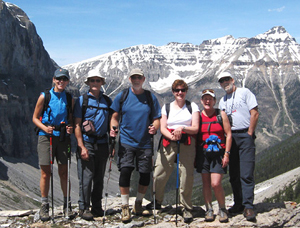 yanmnuska hiking tour Banff Hiking and Walking Tours